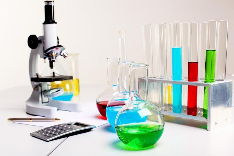 تفاوت مواد شیمیایی با مواد آزمایشگاهی