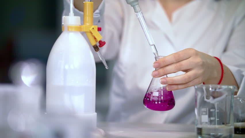 انواع مواد شیمیایی آزمایشگاهی